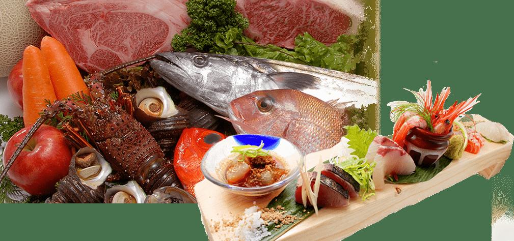 画像:メロン、人参、脂身たっぷりの牛肉の塊、リンゴにサザエ、伊勢海老、サワラに鯛、 が所狭しと並んでいて、木の板の上に、新鮮でいろんな種類のお刺身が盛り付けられている。